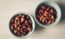 Een Lekkere Snack: Gekiemde Chili en Limoen Amandelen